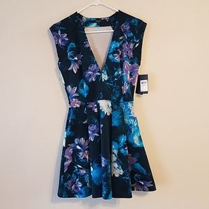 NWT Guess Neoprene floral dress